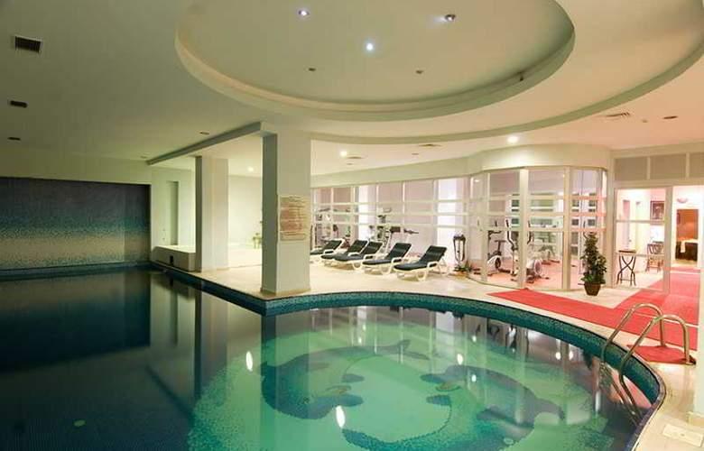 Labranda TMT Bodrum Resort - Pool - 15
