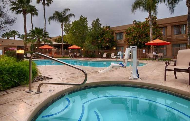 Best Western Tucson Int'l Airport Hotel & Suites - Pool - 123
