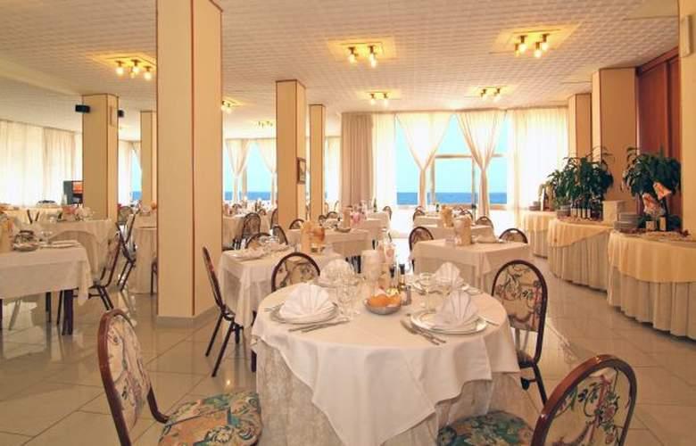 Resort Punta Nord - Hotel - 2