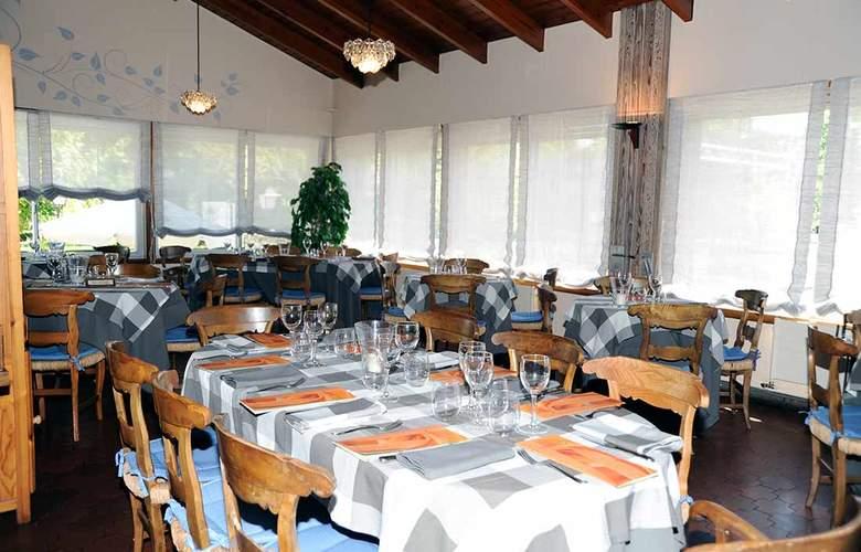 Gran Hotel Jaca - Restaurant - 5