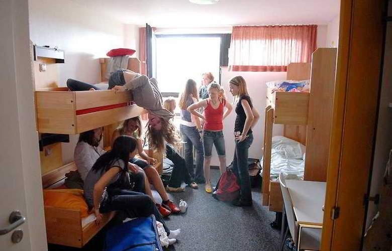 Jugendherberge Köln-Riehl - City Hostel - Room - 4
