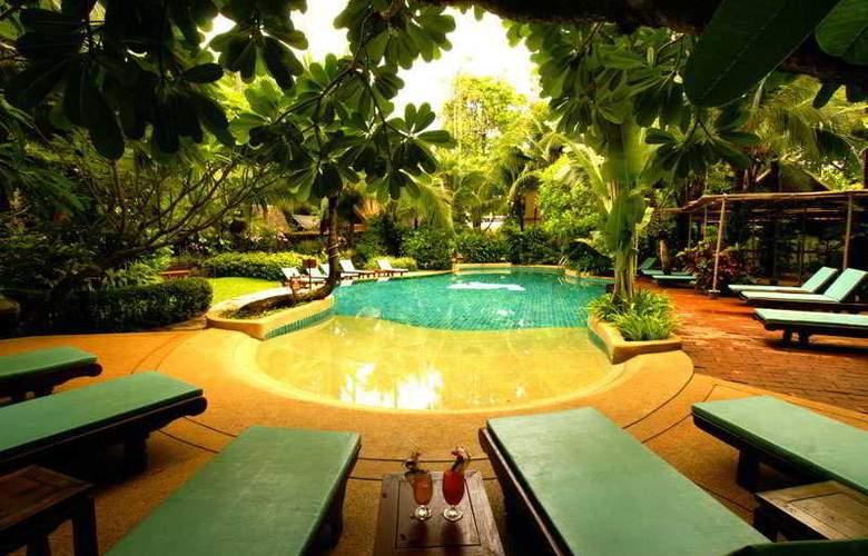 Rabbit Resort - Pool - 15