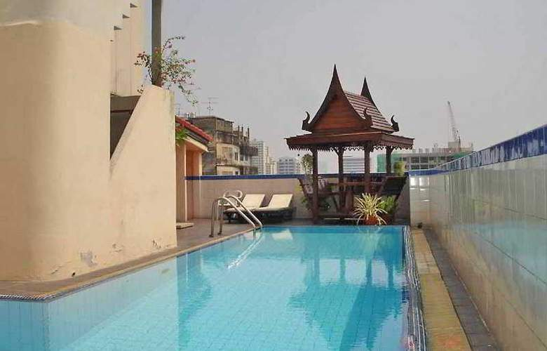 Sena Place - Pool - 3