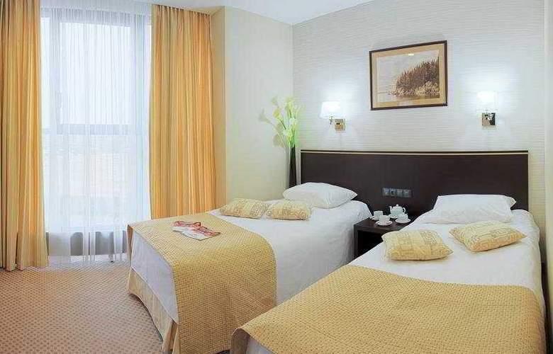 Riviera - Room - 3