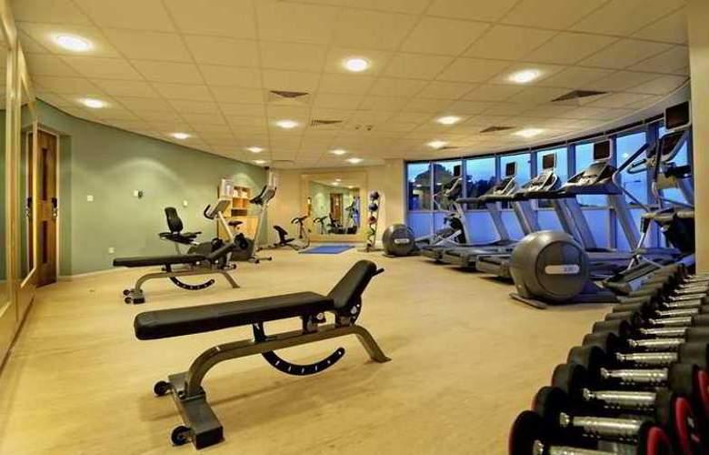 Hilton Garden Inn Gurgaon Baani Square - Sport - 2