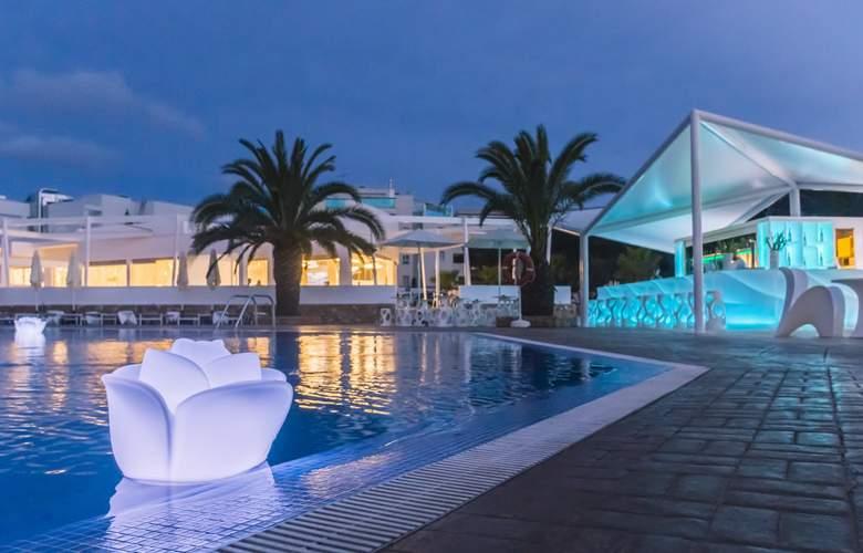 Blanco Hotel Formentera - Pool - 2