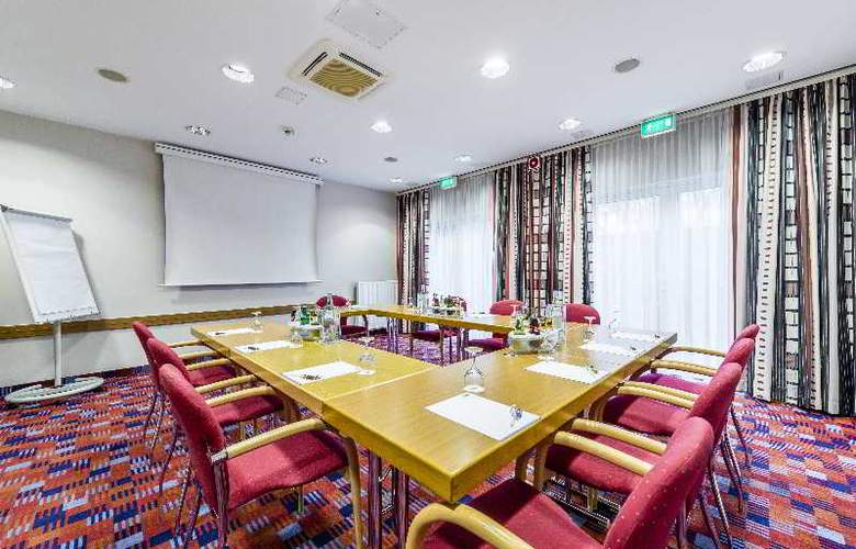 Holiday Inn Express Cologne Muelheim - Conference - 7