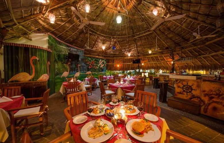 Flamingo Vallarta Hotel & Marina - Restaurant - 42