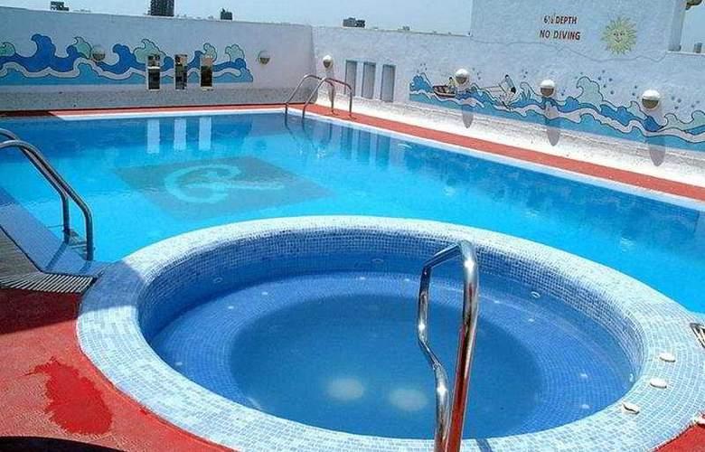 Ramee Guestline- Dadar - Pool - 4