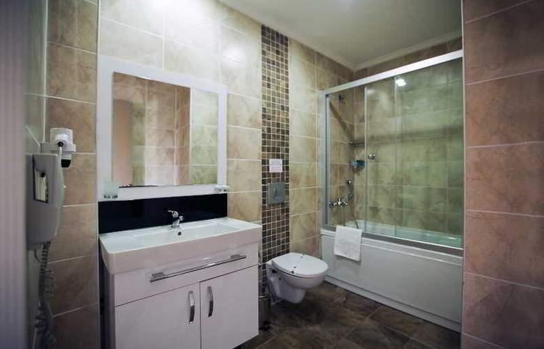Risa Hotel - Room - 14