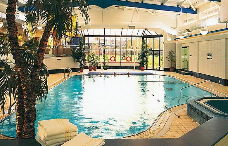 Mollington Banastre Hotel & Spa - Pool - 1