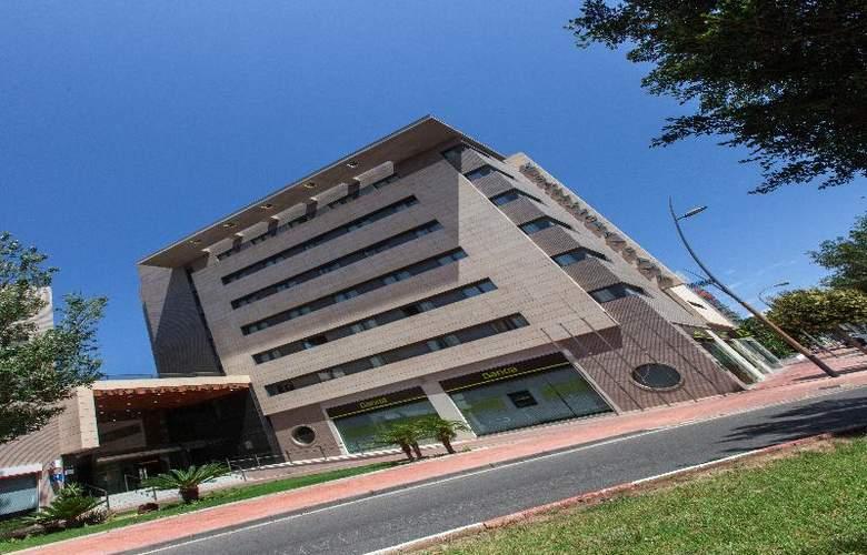 Sercotel Gran Fama - Hotel - 9