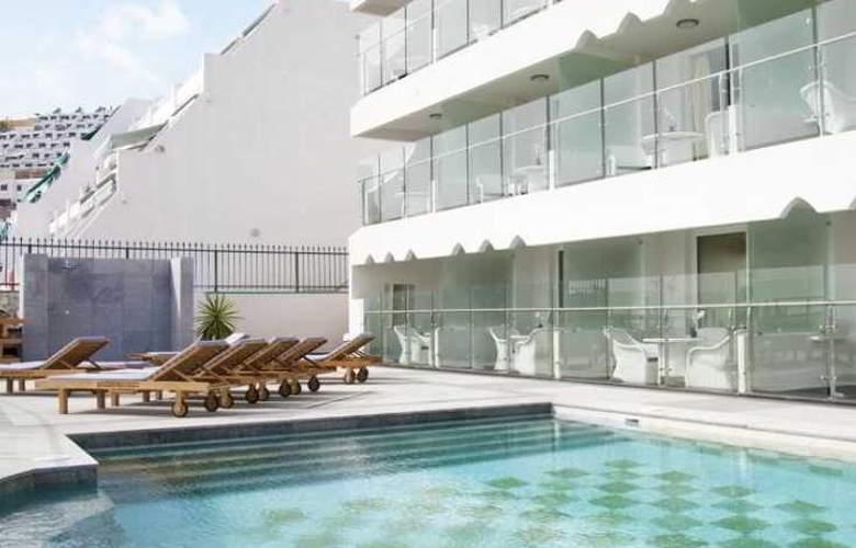 Villa Magna - Pool - 1