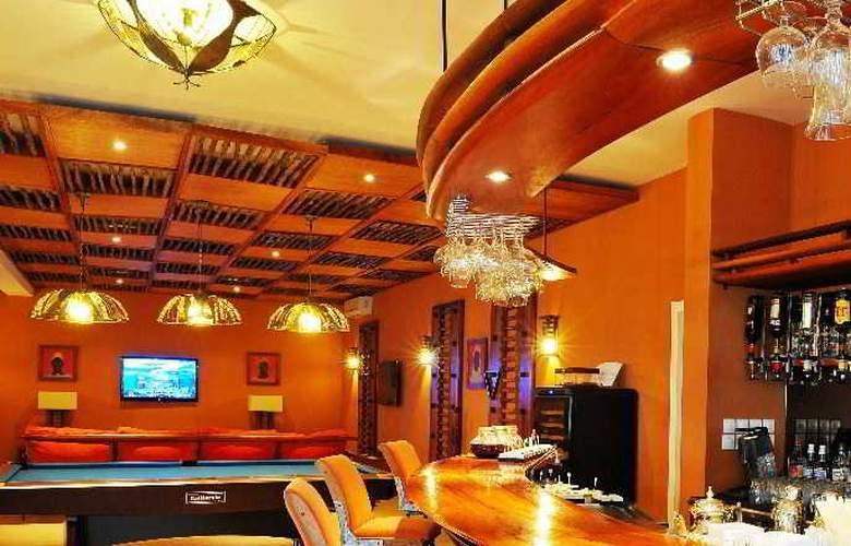 Lamantin Beach Hotel - Bar - 10
