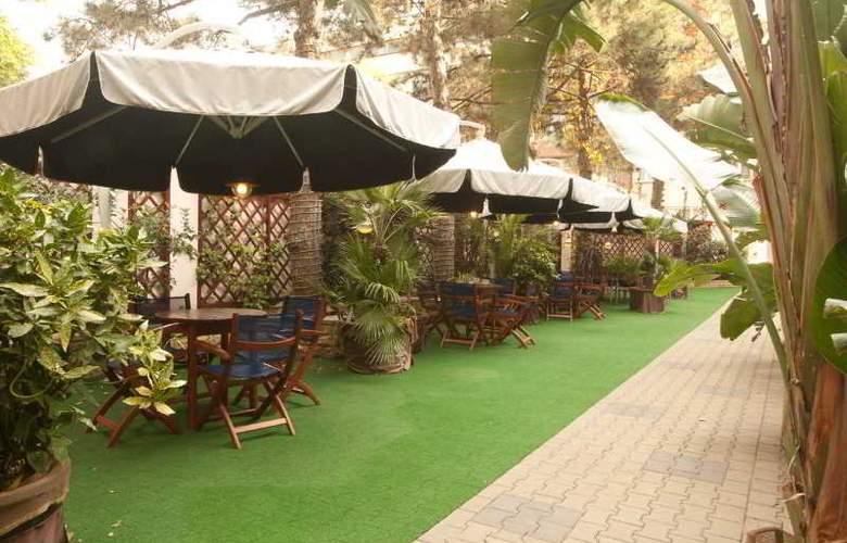 Luna Hotel - Terrace - 3