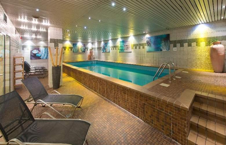 Leonardo Hotel Köln - Pool - 21