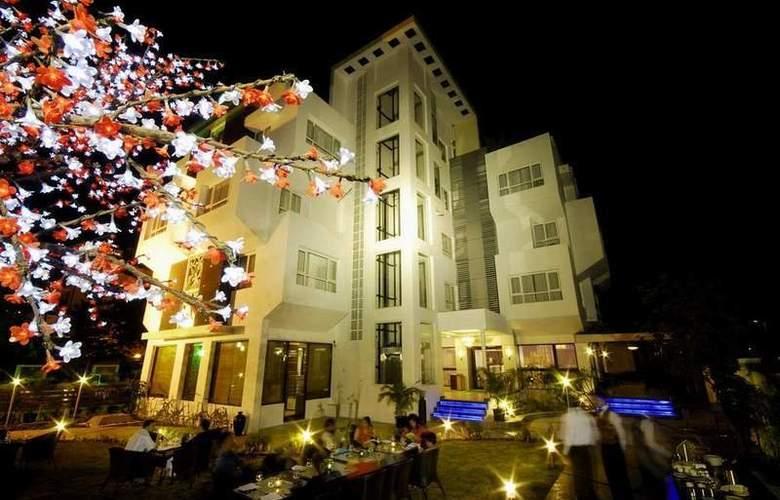 Lily Sarovar Portico - Hotel - 5