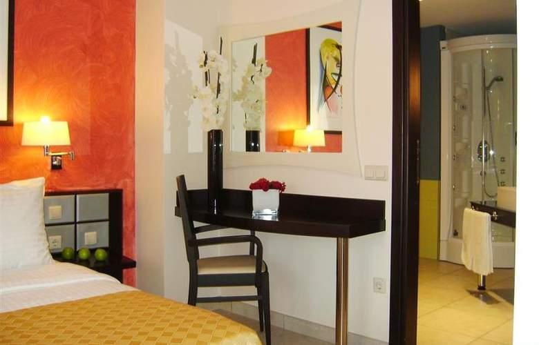 Best Western Plus Grand Hotel Victor Hugo - Room - 4