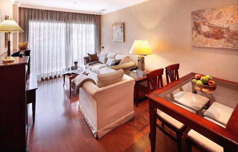 Hispanos 7 Suiza Apartament-Restaurant - Room - 9