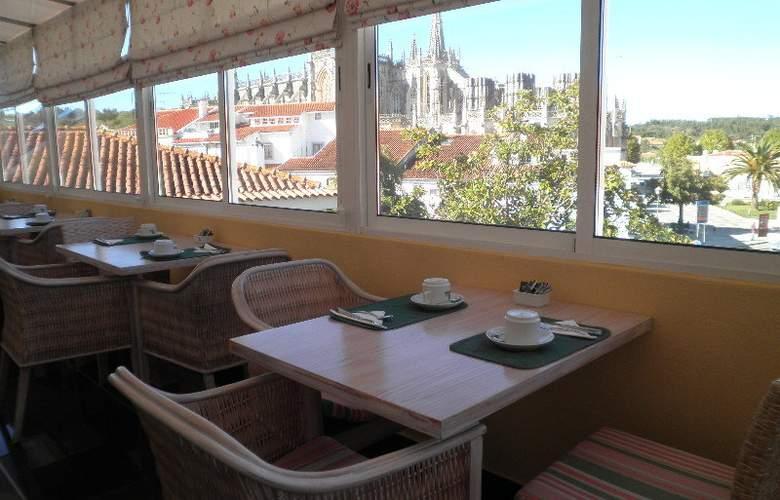 Hotel Residencial Batalha - Restaurant - 10