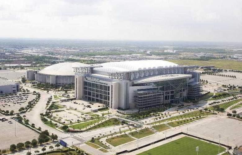 Sheraton Suites Houston near the Galleria - Hotel - 11