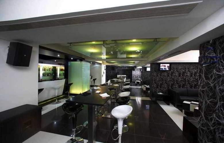 Residency Towers - Bar - 32