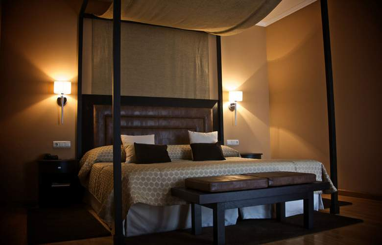 Hospes Palacio de Arenales - Room - 14