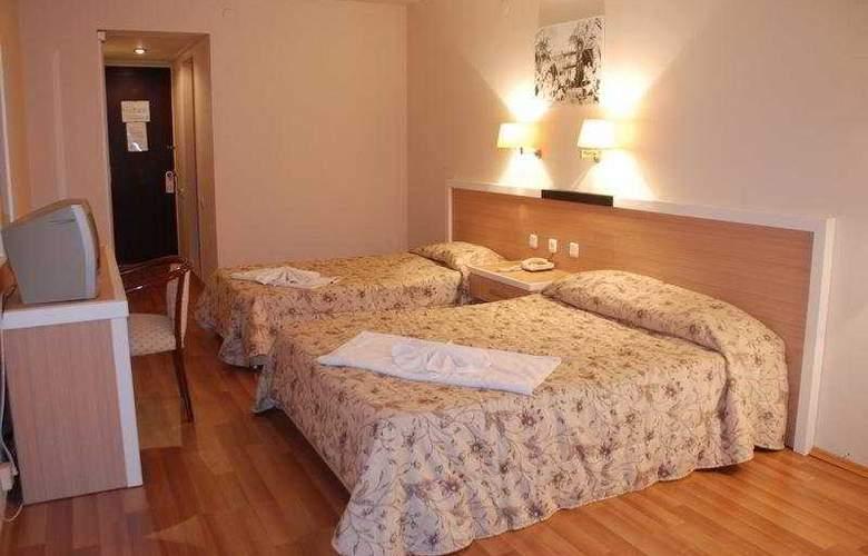 Tuntas Hotel Altinkum - Room - 5