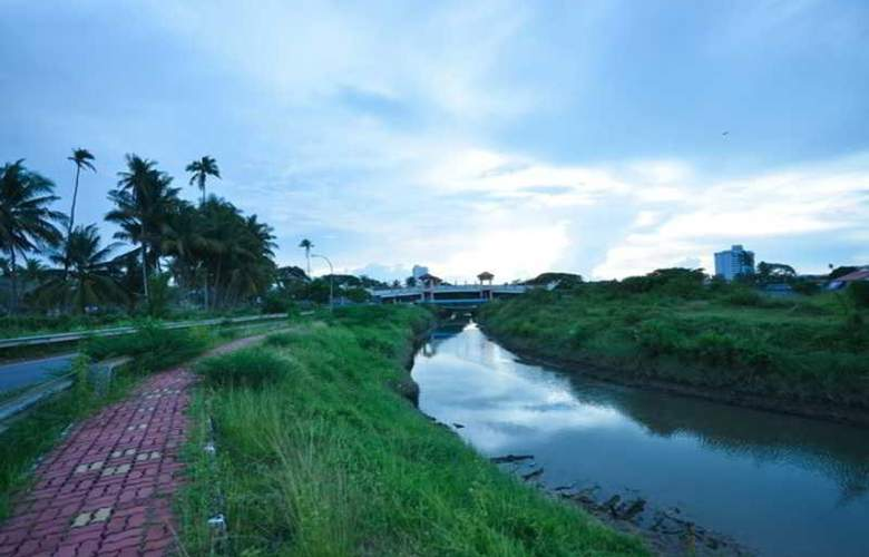 Riverra Inn Langkawi - Terrace - 4