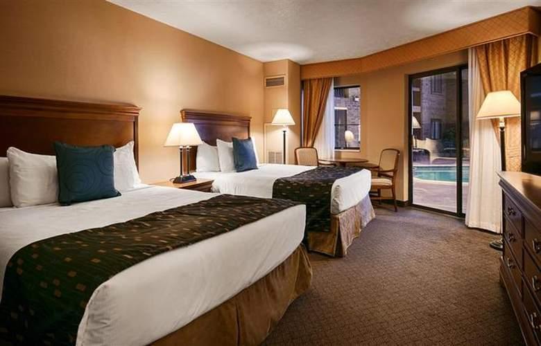 Best Western Landmark Inn - Room - 114
