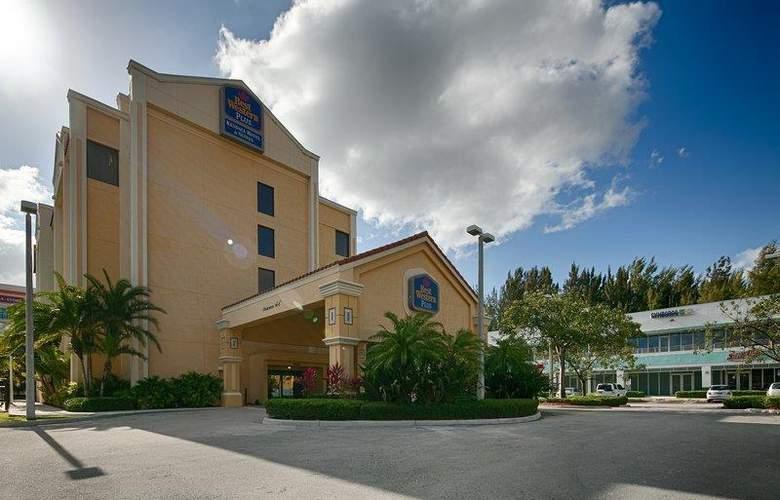 Best Western Plus Kendall Hotel & Suites - Hotel - 99