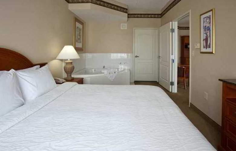 Hilton Garden Inn Bloomington - Hotel - 2