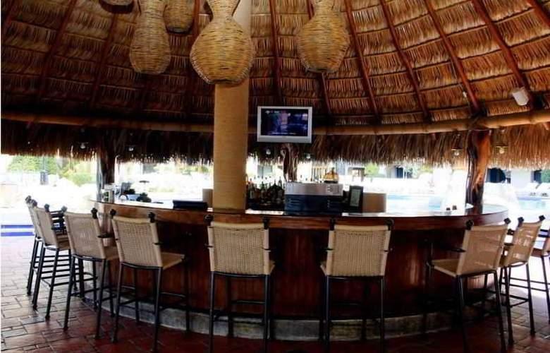 Marina Fiesta Resort & Spa All Inclusive - Bar - 14