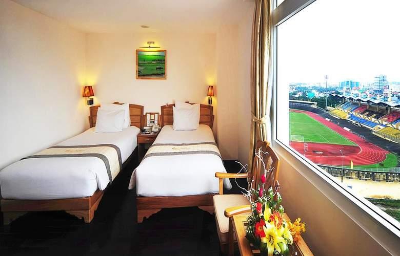 Romance Hotel Hue - Room - 11