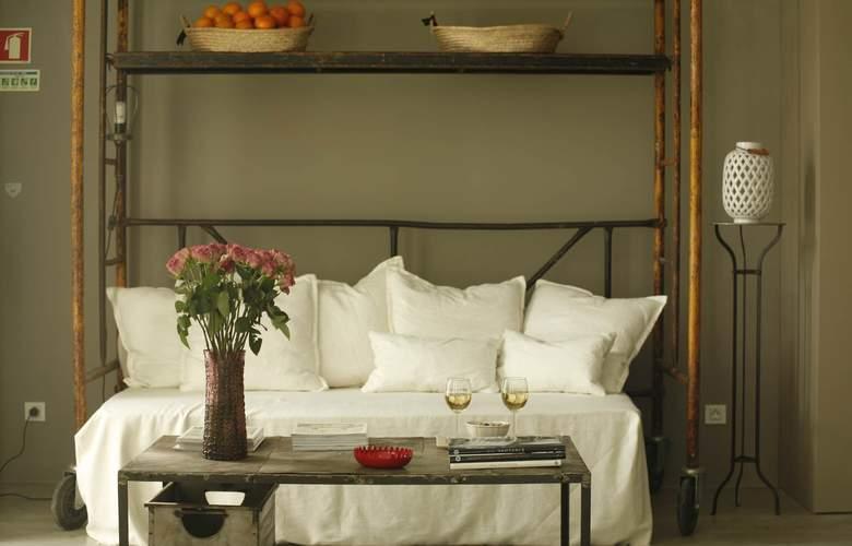 Casa Das Janelas Com Vista - Room - 10
