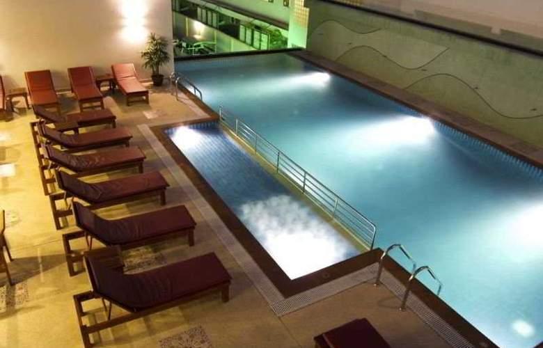 Bauman Casa Karon Beach Resort - Pool - 7