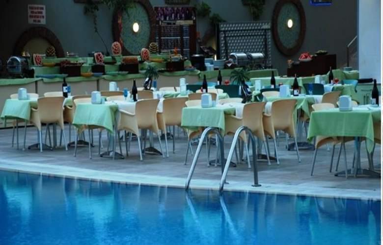 Okan Tower - Restaurant - 10
