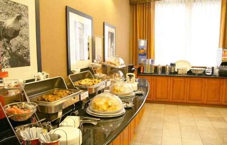 Hampton Inn & Suites Pittsburgh-Downtown - Hotel - 9