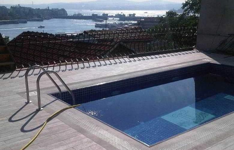 HHK Hotel - Pool - 6