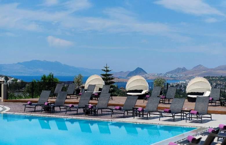 Ramada Resort Bodrum - Pool - 21