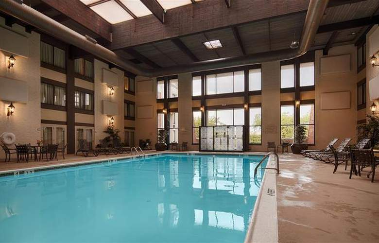 Best Western Premier The Central Hotel Harrisburg - Pool - 47