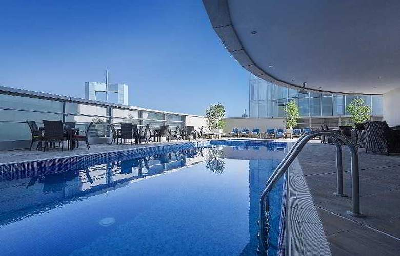 Emirates Grand - Pool - 6