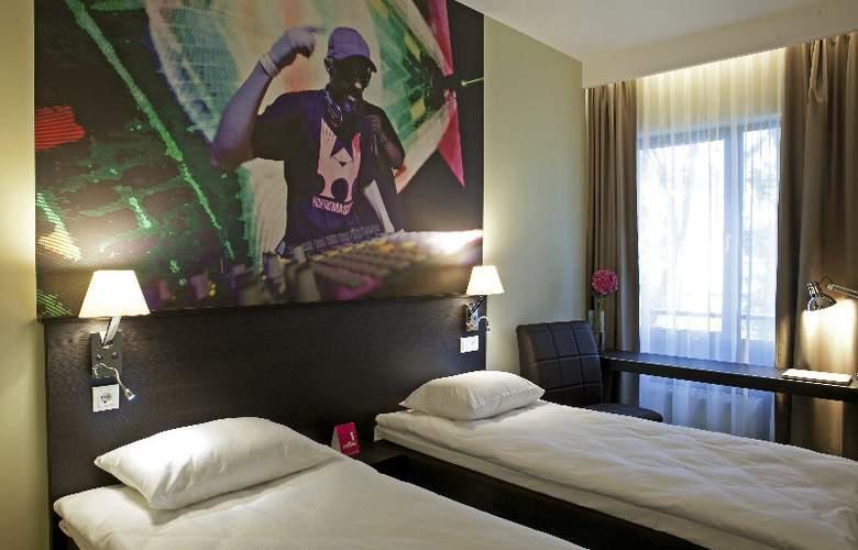 Comfort LT - Rock n Roll Vilnius - Room - 2