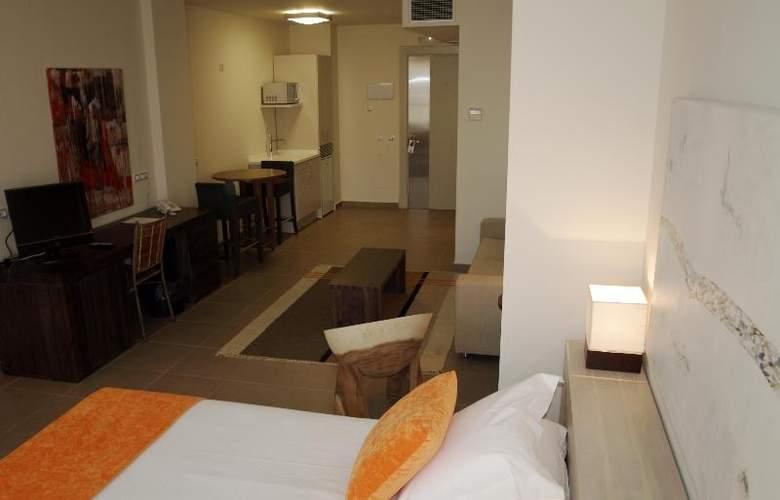 Eco Alcala Suites - Room - 8