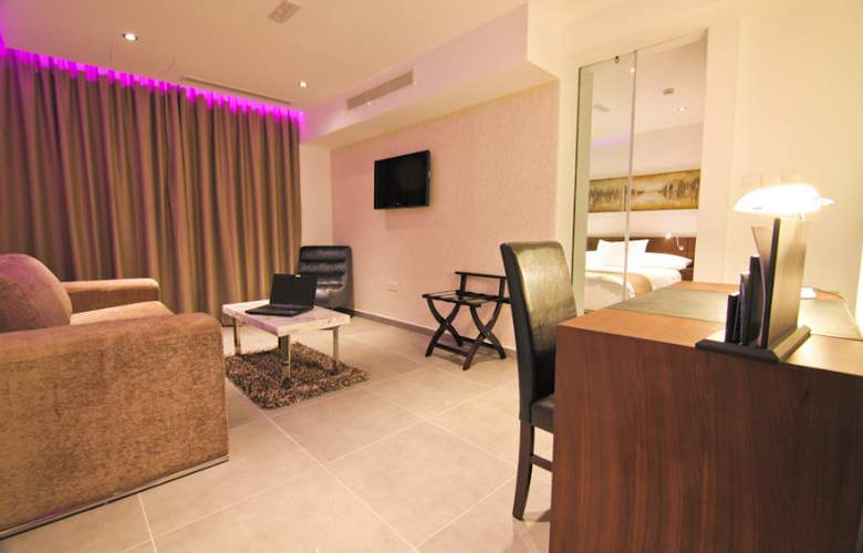 Achilleos City Hotel - Room - 8