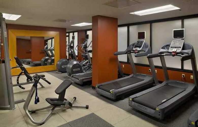 Hilton Sacramento Arden West - Hotel - 4