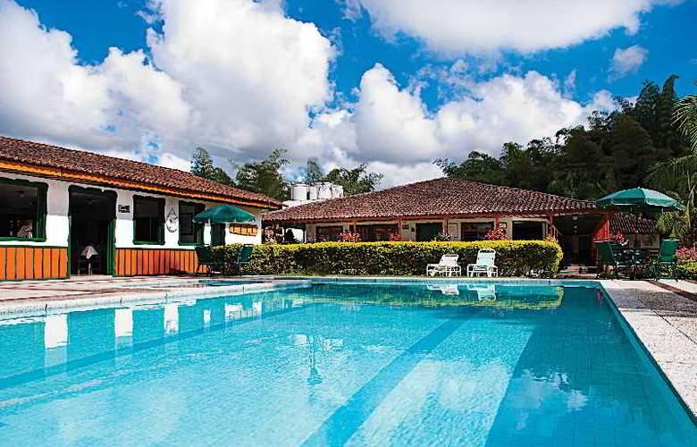 La Floresta Hotel Campestre - Pool - 6