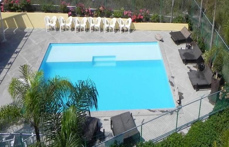 Hotel Zar Colima - Pool - 14