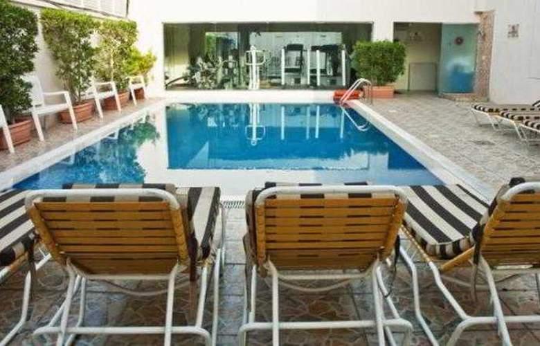 Regent Beach Resort Jumeirah - Pool - 13