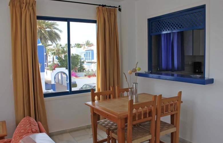 El Minarete Apartamentos - Room - 3